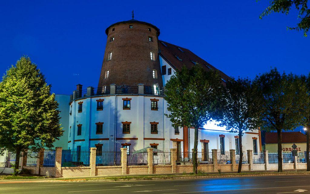 http://hotel.malomhoteldebrecen.hu/wp-content/gallery/kulso/MalomHotel019.jpg